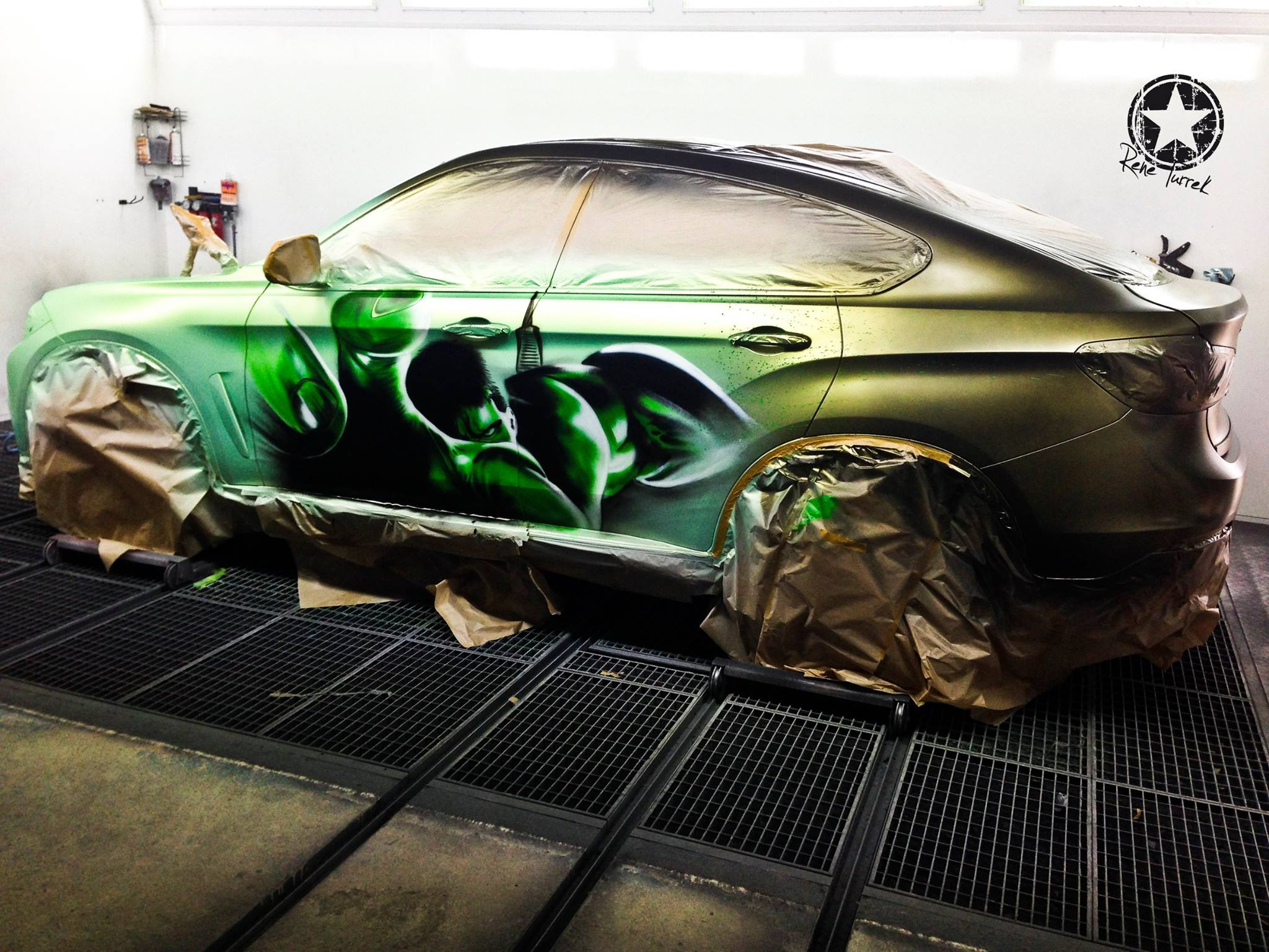 Bmw X6 Paintjob Reveals Inner Hulk When You Pour Hot Water