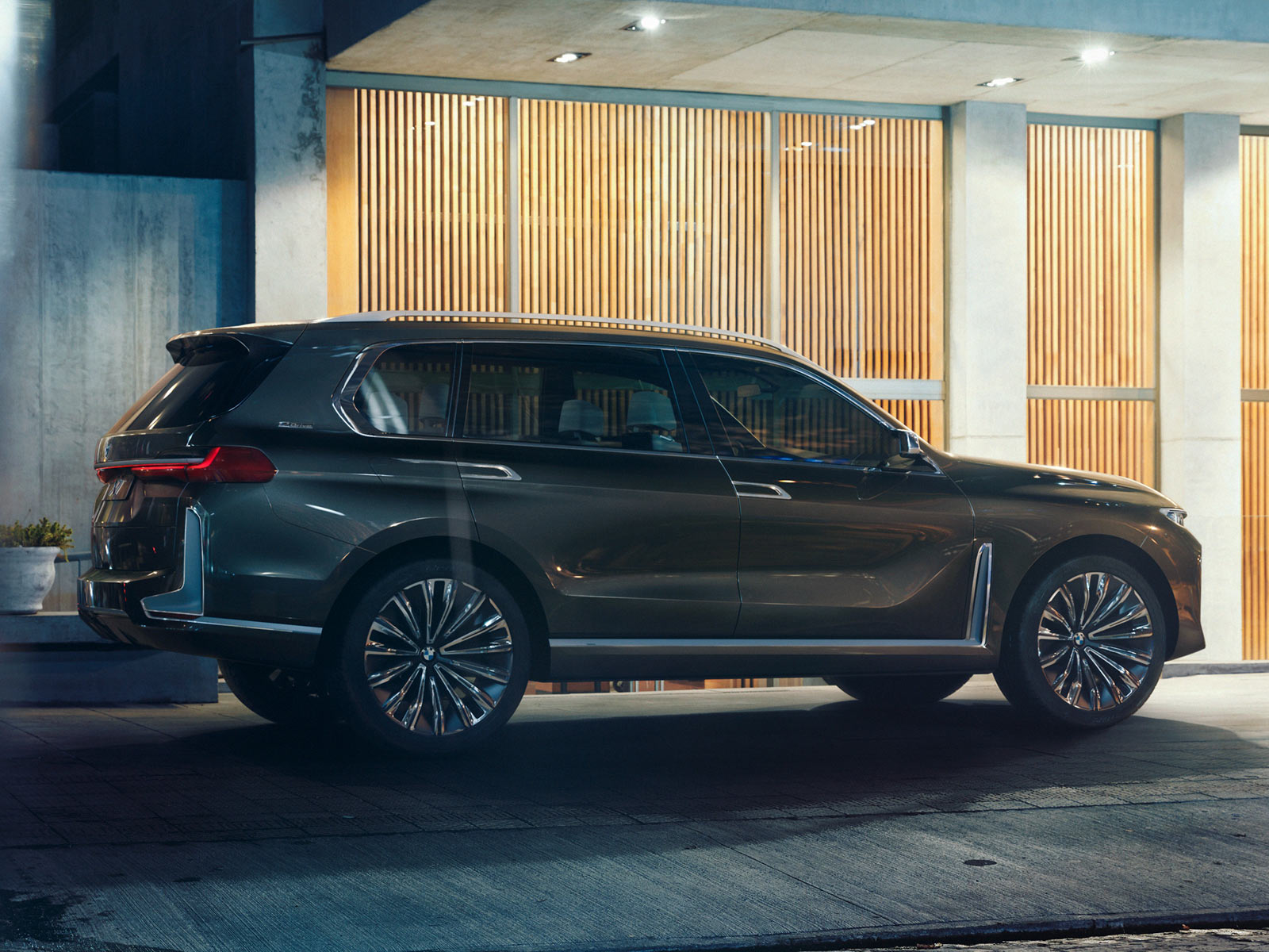 bmw x7 revealed as iperformance concept ahead of frankfurt autoevolution. Black Bedroom Furniture Sets. Home Design Ideas