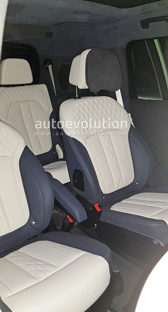 Bmw X7 Shows Awesome 6 Seat Interior In Latest Spyshots Autoevolution