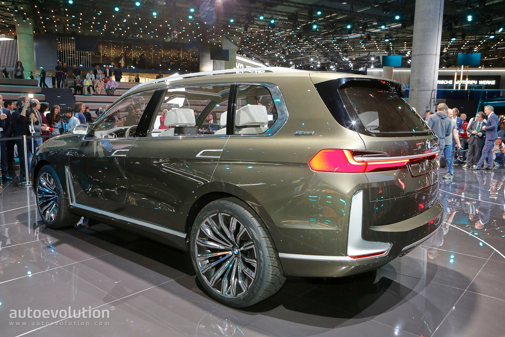Bmw 3 0 Csl >> BMW X7 SUV Concept Is a Range Rover Lookalike in Frankfurt - autoevolution