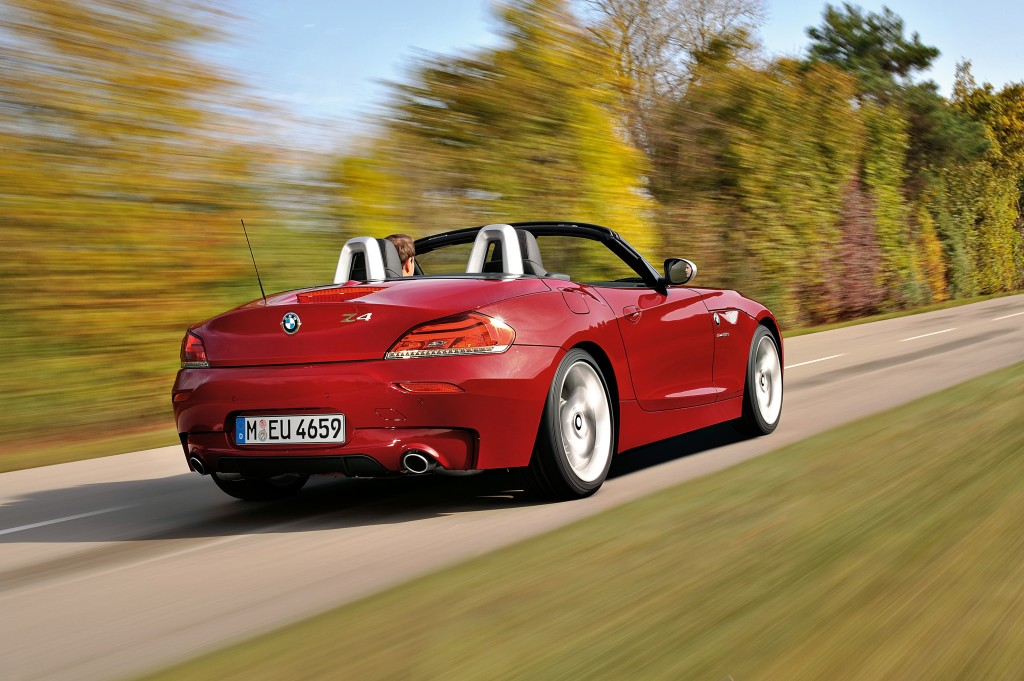 bmw z4 sdrive35is m sport package details and photos autoevolution. Black Bedroom Furniture Sets. Home Design Ideas
