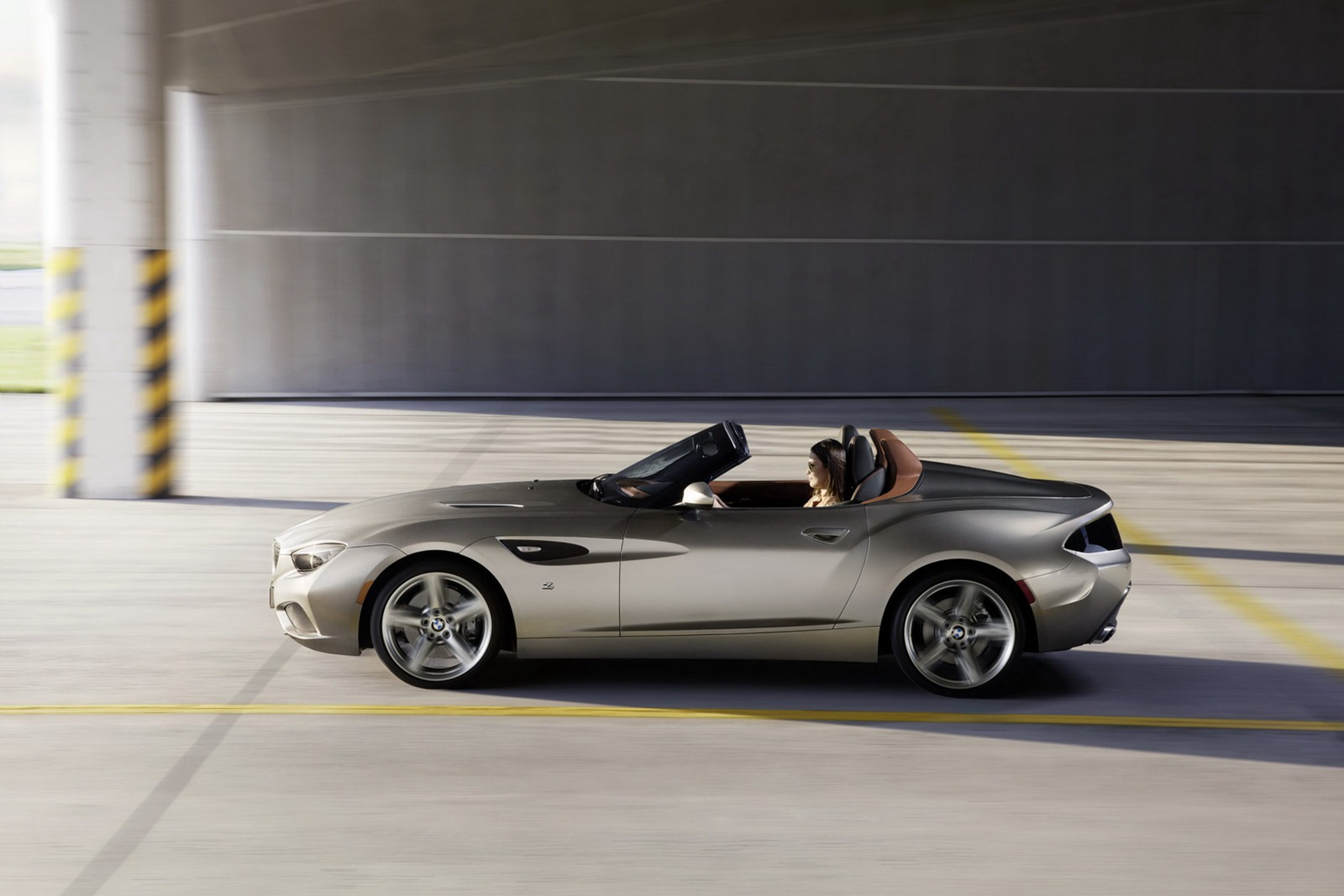 Bmw Z4 Zagato Roadster Concept Unveiled Photo Gallery