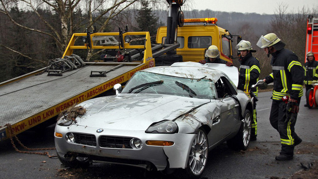 Bmw Z8 Crash Ends With Car On Its Roof Autoevolution