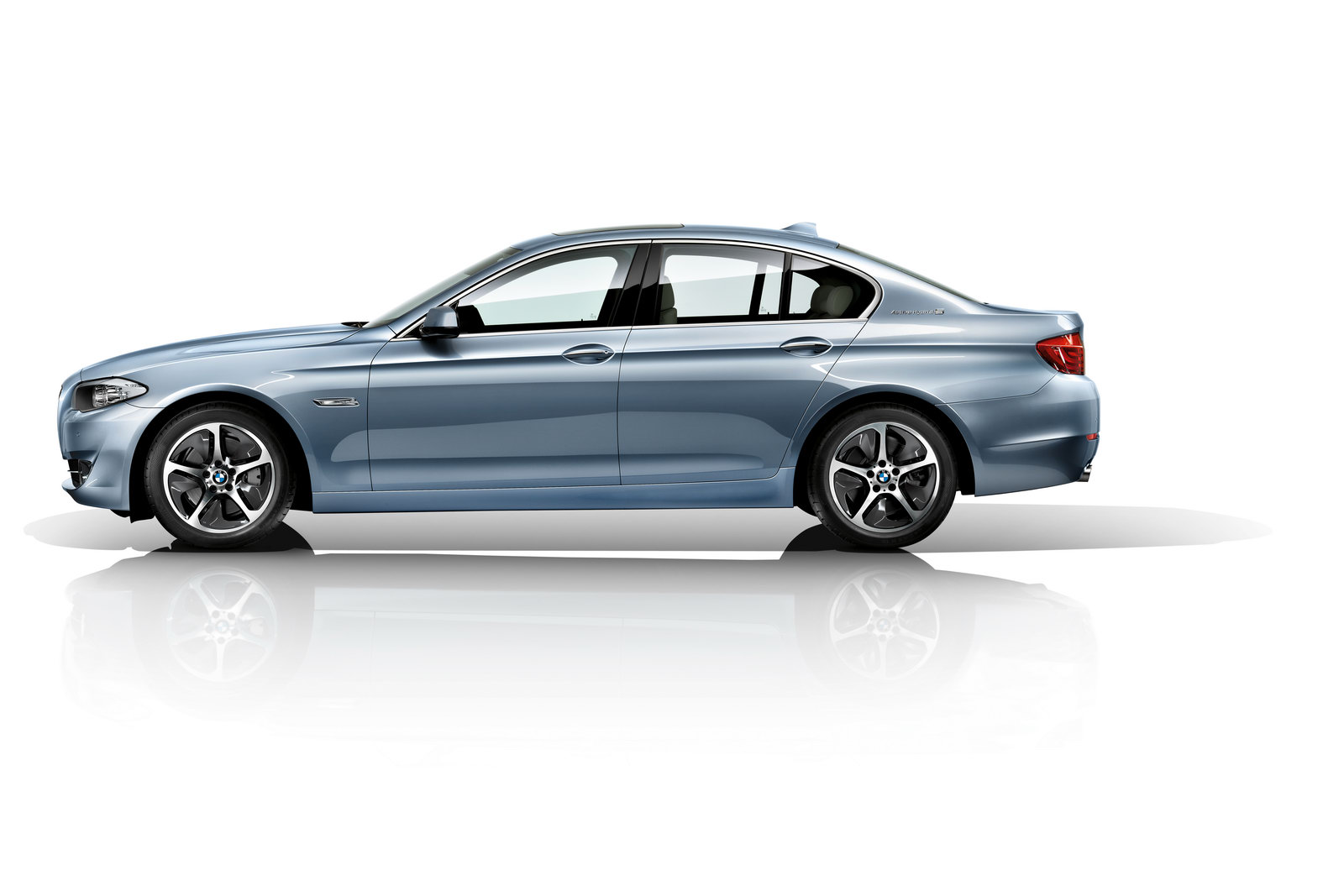 bmw 39 s new activehybrid 5 officially unveiled autoevolution. Black Bedroom Furniture Sets. Home Design Ideas
