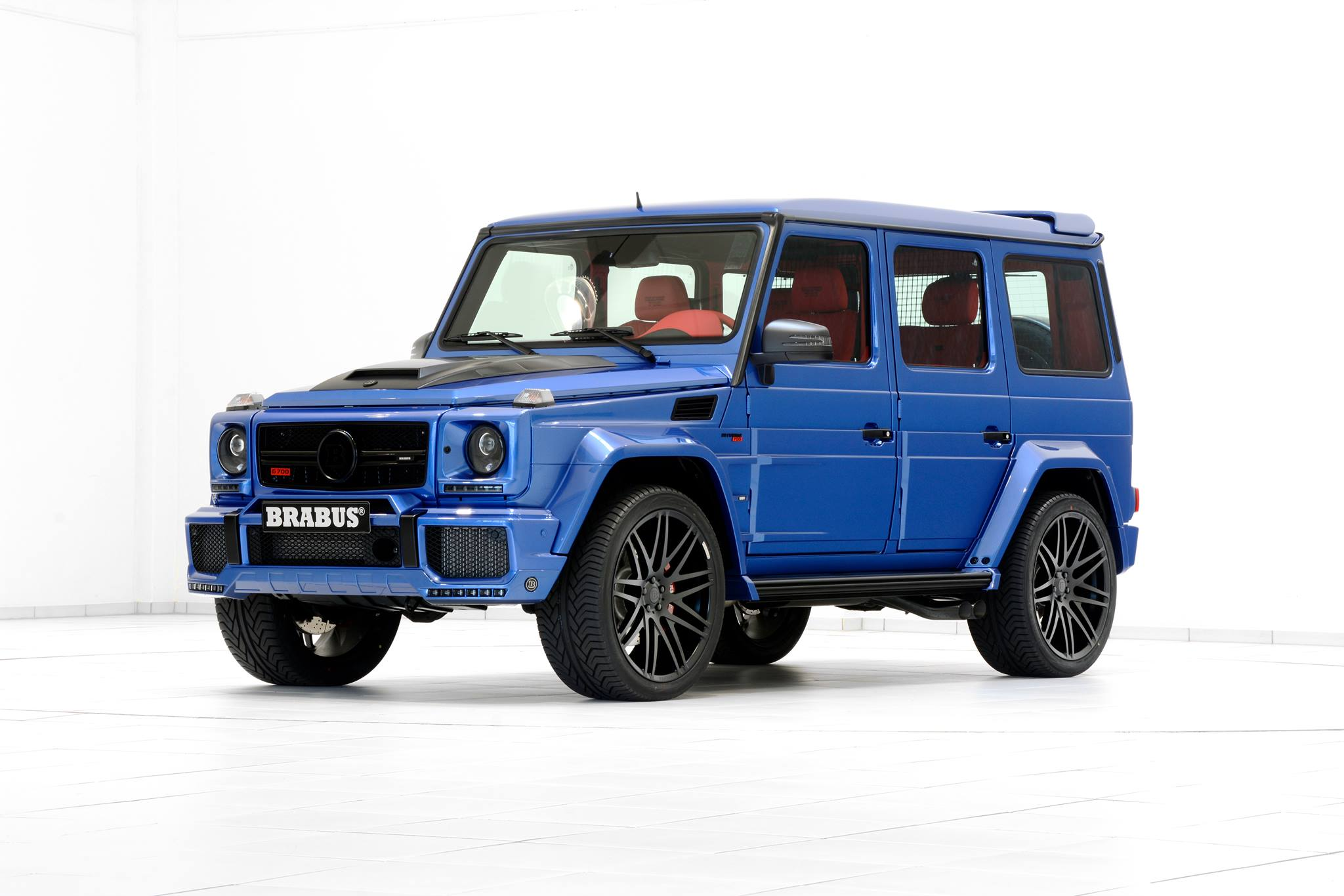 G Wagon Brabus 2016 >> Brabus' 700 HP G63 AMG Combines Blue Paint and Red Leather - autoevolution