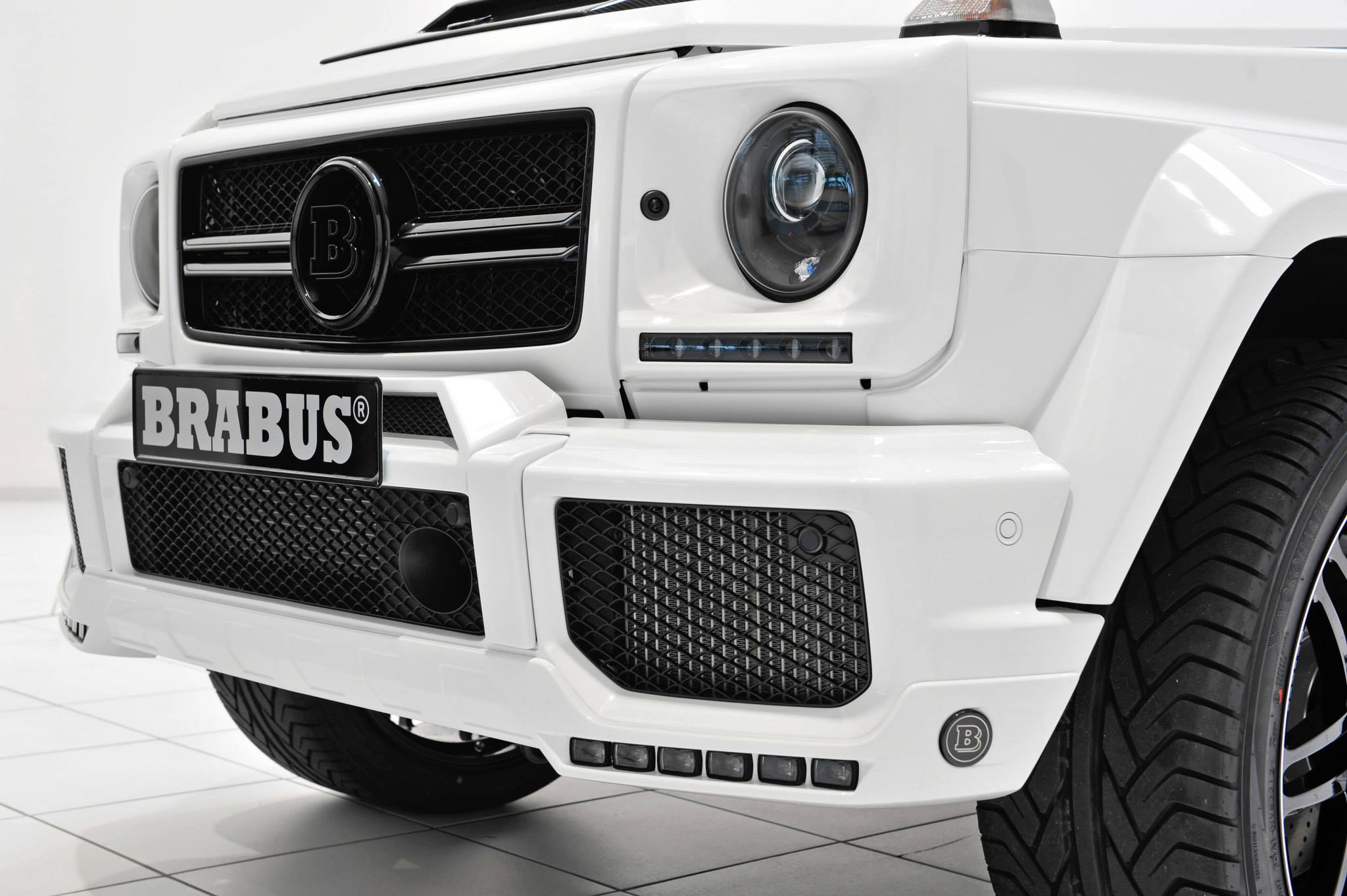 Brabus 700 Puts A Stormtrooper Look On The G63 Amg