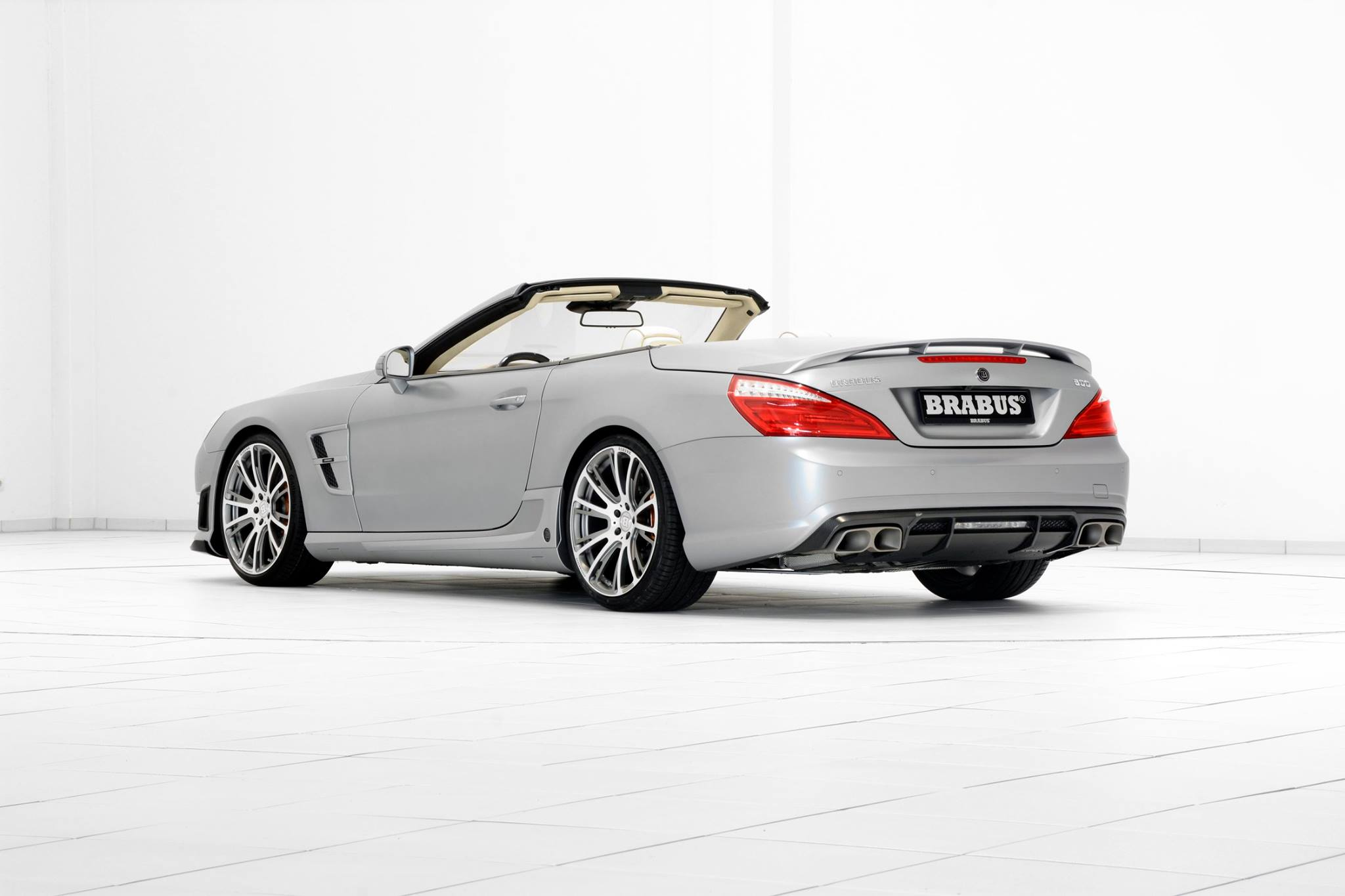 sl 65 amg crashed by mechanics during test drive autoevolution. Black Bedroom Furniture Sets. Home Design Ideas