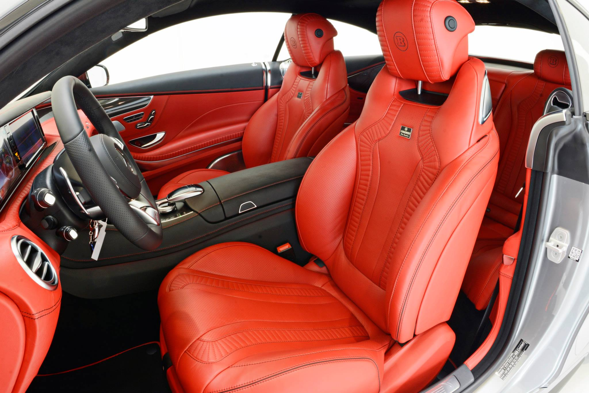 brabus 850 package tunes s63 amg coupe with red leather and silver paint autoevolution. Black Bedroom Furniture Sets. Home Design Ideas