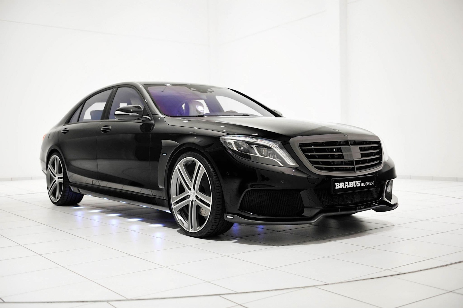 brabus ibusiness arrives in lesser s class w222 autoevolution. Black Bedroom Furniture Sets. Home Design Ideas