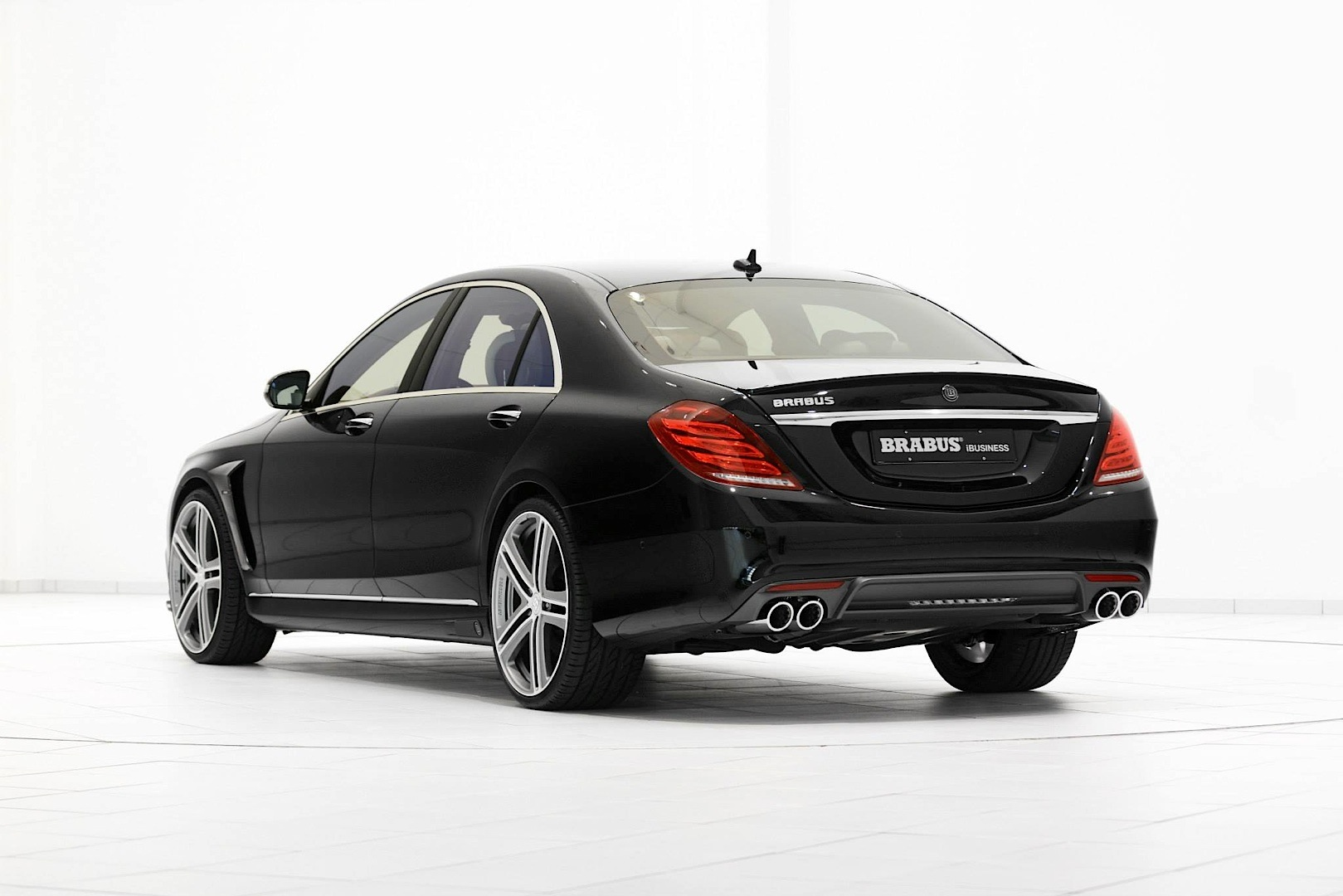 brabus ibusiness s class with 850 hp unveiled autoevolution. Black Bedroom Furniture Sets. Home Design Ideas