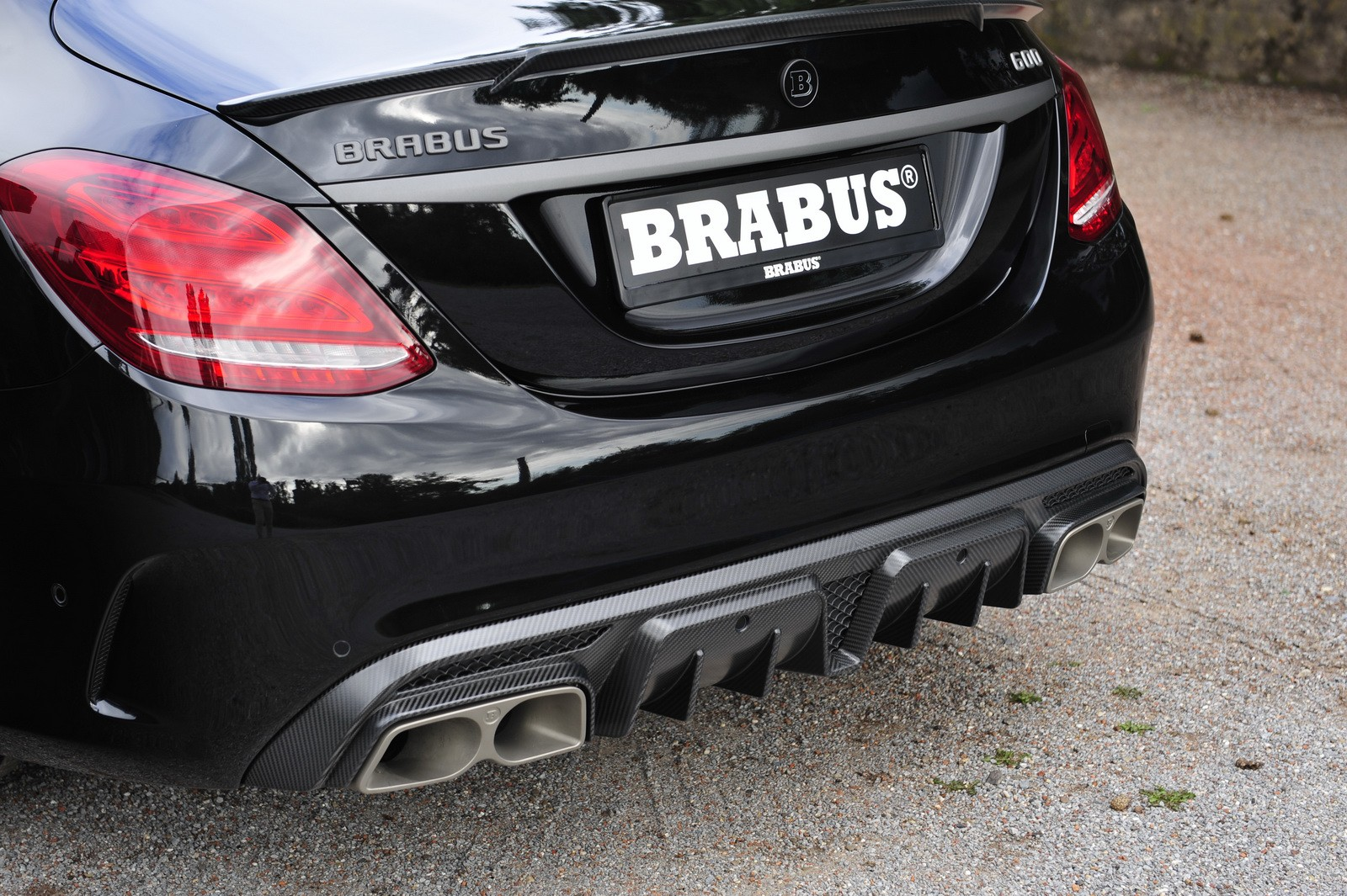 Dsc in addition Hot German Girls Bring The Fire To Mercedes Cla Amg Photo Shooting Video additionally Dsc likewise Mercedes Benz C Amg C Amg S Break Cover Photo Gallery further Mercedes Benz Ml. on the mercedes benz s plug in hybrid is here