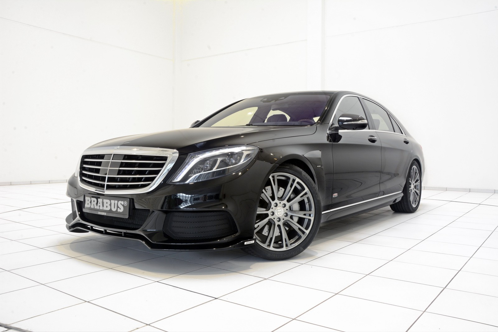 brabus powerxtra b50 hybrid is a mercedes benz s500 plug. Black Bedroom Furniture Sets. Home Design Ideas