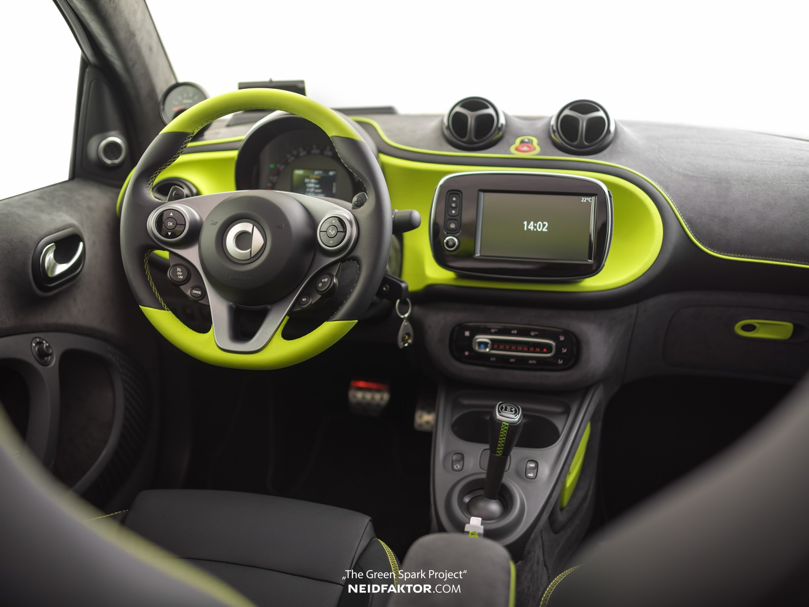 brabus smart fortwo interior by neidfaktor is better than brabus autoevolution. Black Bedroom Furniture Sets. Home Design Ideas