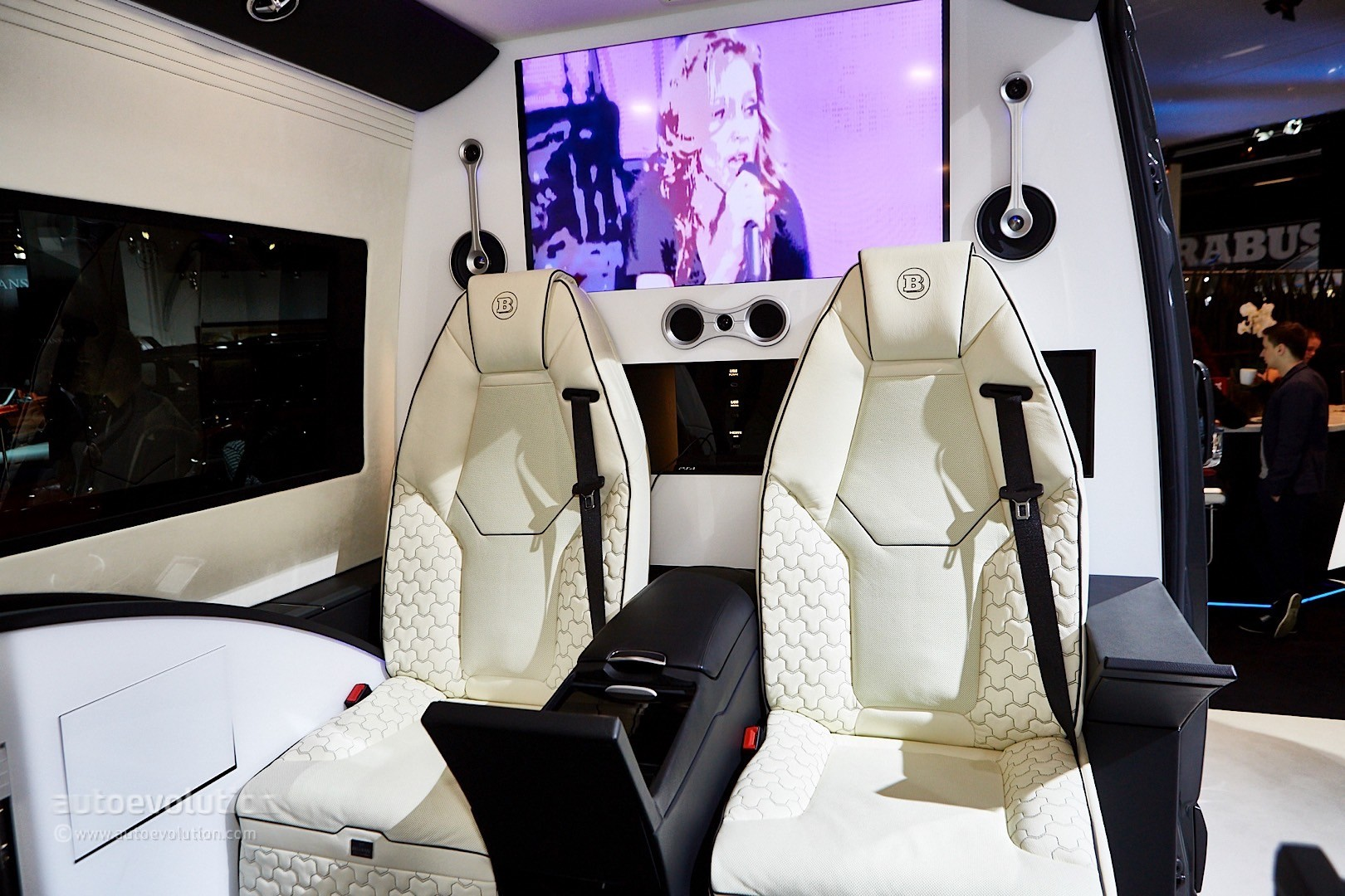' ' from the web at 'http://s1.cdn.autoevolution.com/images/news/gallery/brabus-sprinter-and-v-class-fill-the-luxury-van-gap-in-frankfurt-live-photos_15.jpg'