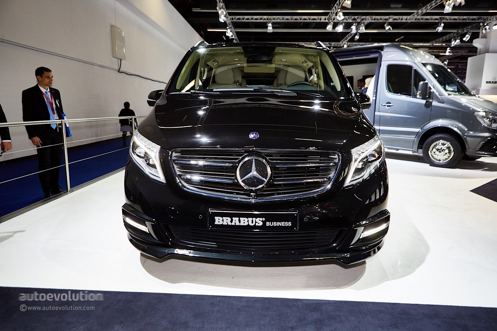 ' ' from the web at 'http://s1.cdn.autoevolution.com/images/news/gallery/brabus-sprinter-and-v-class-fill-the-luxury-van-gap-in-frankfurt-live-photos_21.jpg'
