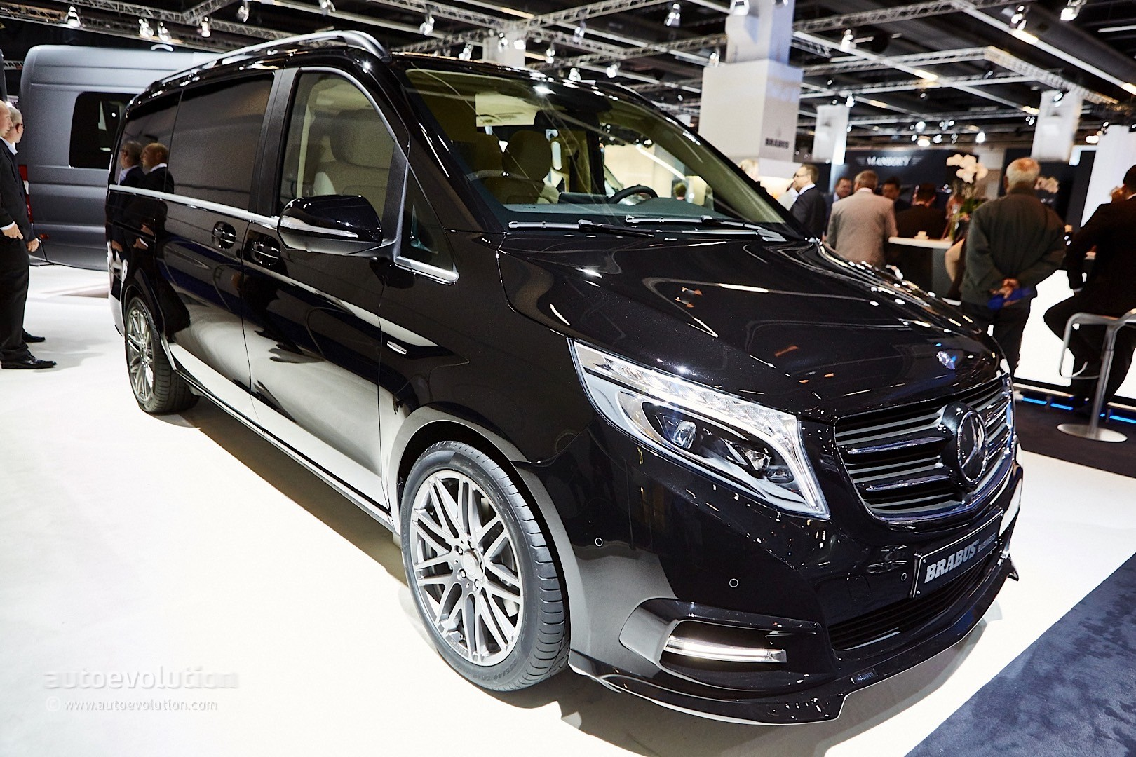 ' ' from the web at 'http://s1.cdn.autoevolution.com/images/news/gallery/brabus-sprinter-and-v-class-fill-the-luxury-van-gap-in-frankfurt-live-photos_23.jpg'