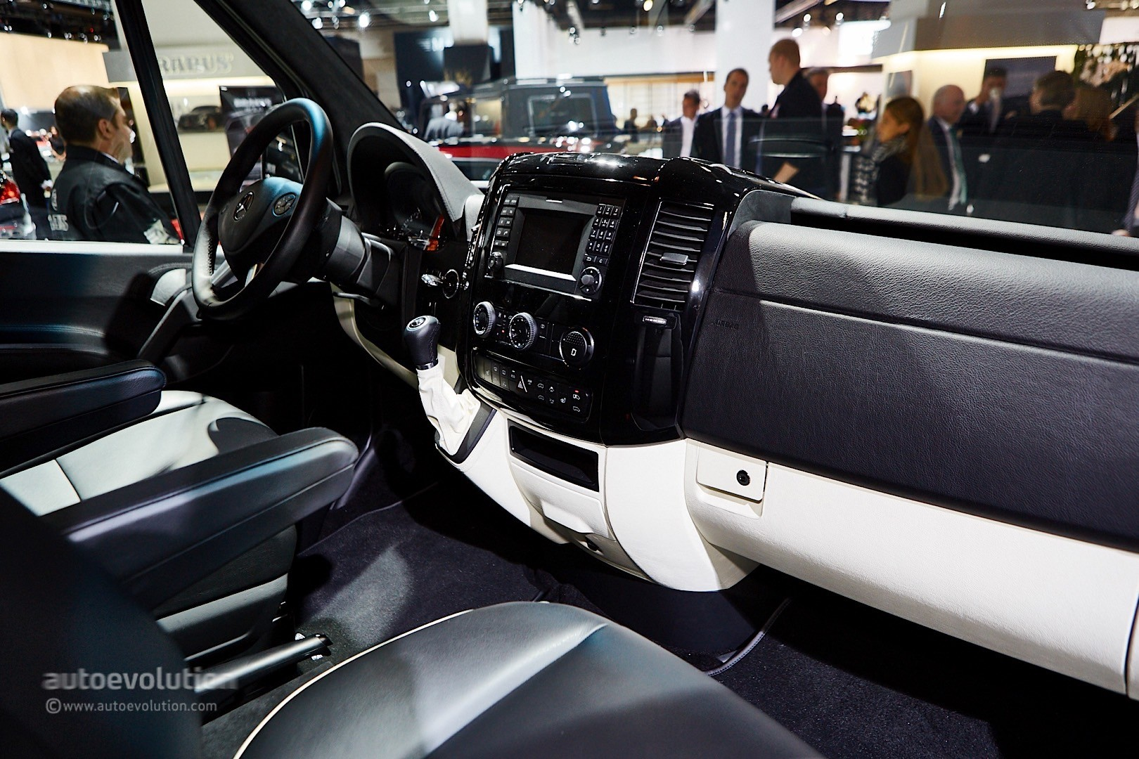 ' ' from the web at 'http://s1.cdn.autoevolution.com/images/news/gallery/brabus-sprinter-and-v-class-fill-the-luxury-van-gap-in-frankfurt-live-photos_7.jpg'