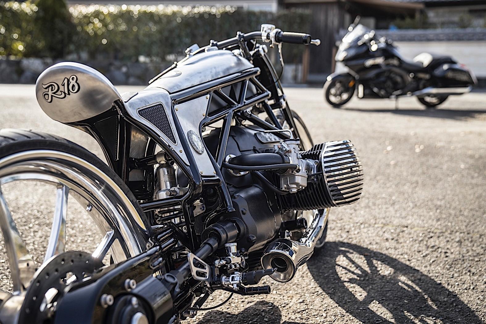 brand new bmw motorrad boxer engine shown on custom works zon r18 bike autoevolution. Black Bedroom Furniture Sets. Home Design Ideas