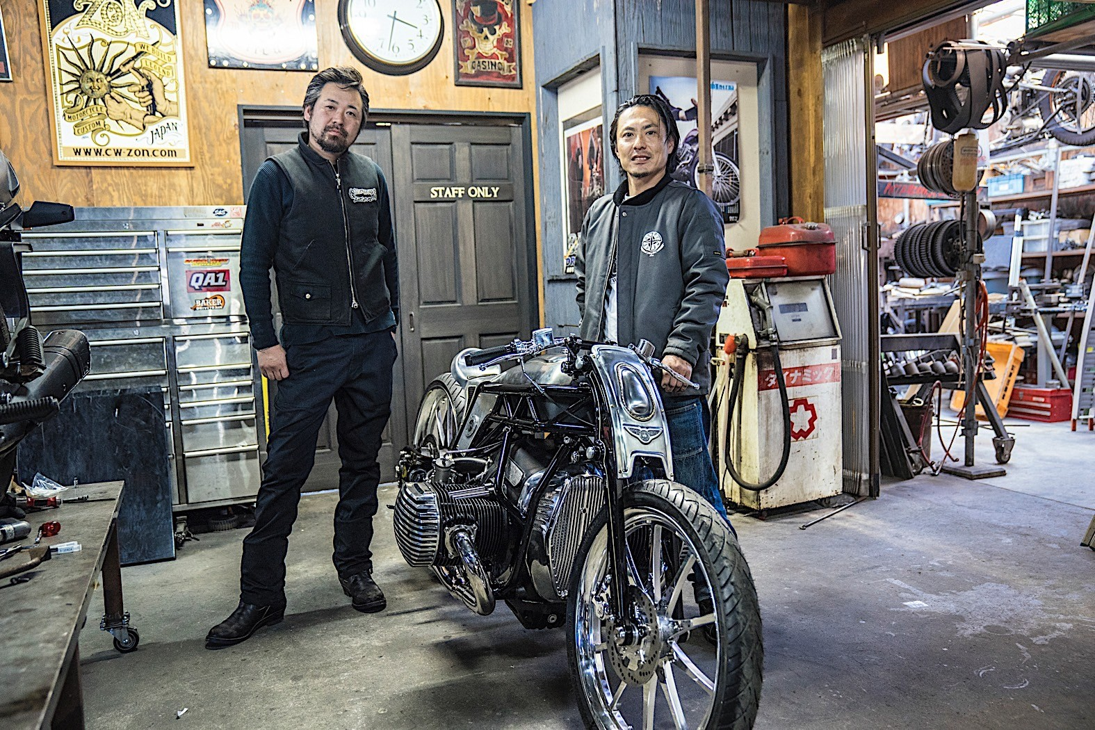 Parts Of A Plane >> Brand New BMW Motorrad Boxer Engine Shown on Custom Works Zon R18 Bike - autoevolution