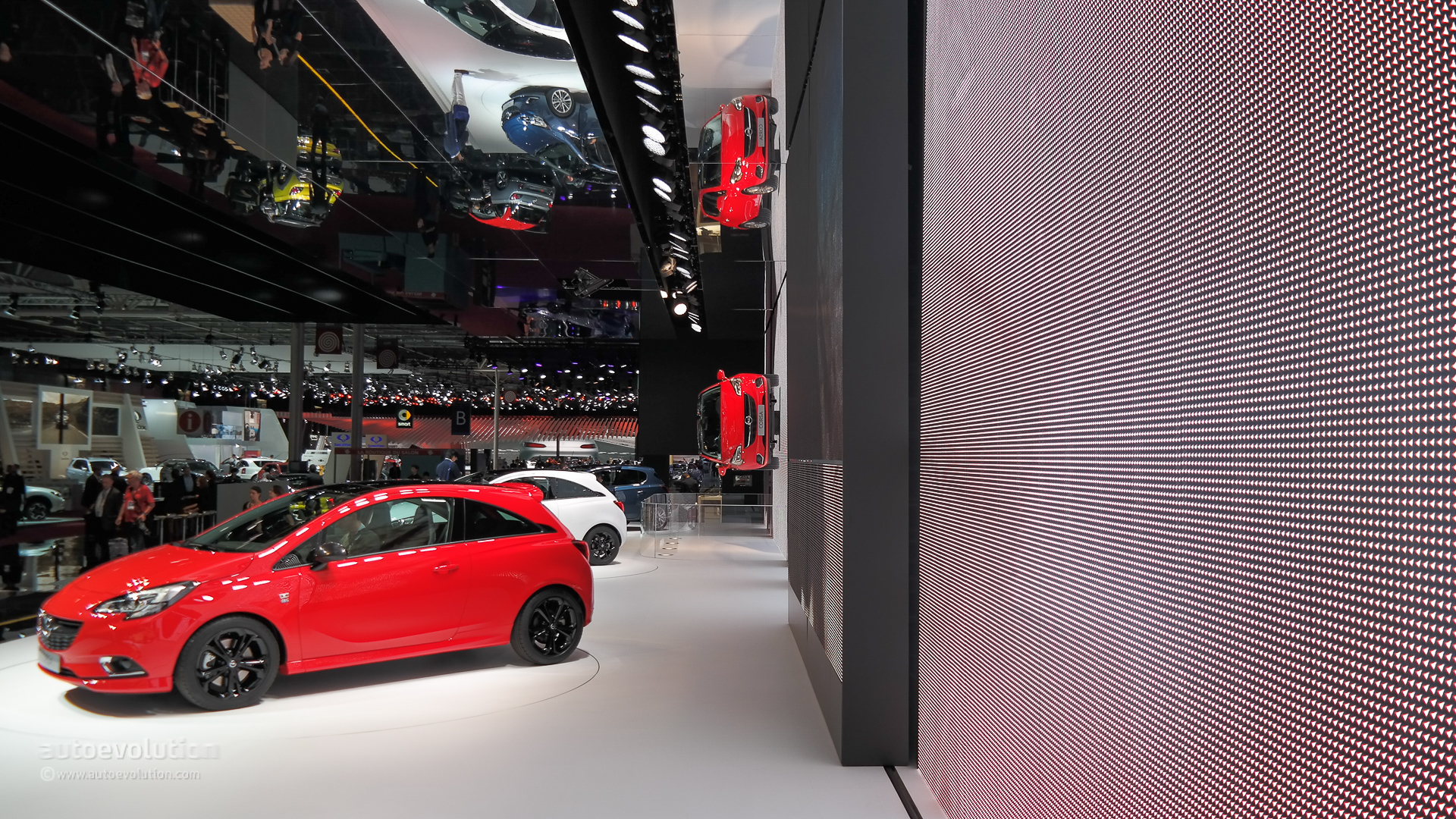 Brand new opel corsa bows at paris motor show 2014 live for Garage opel paris 12