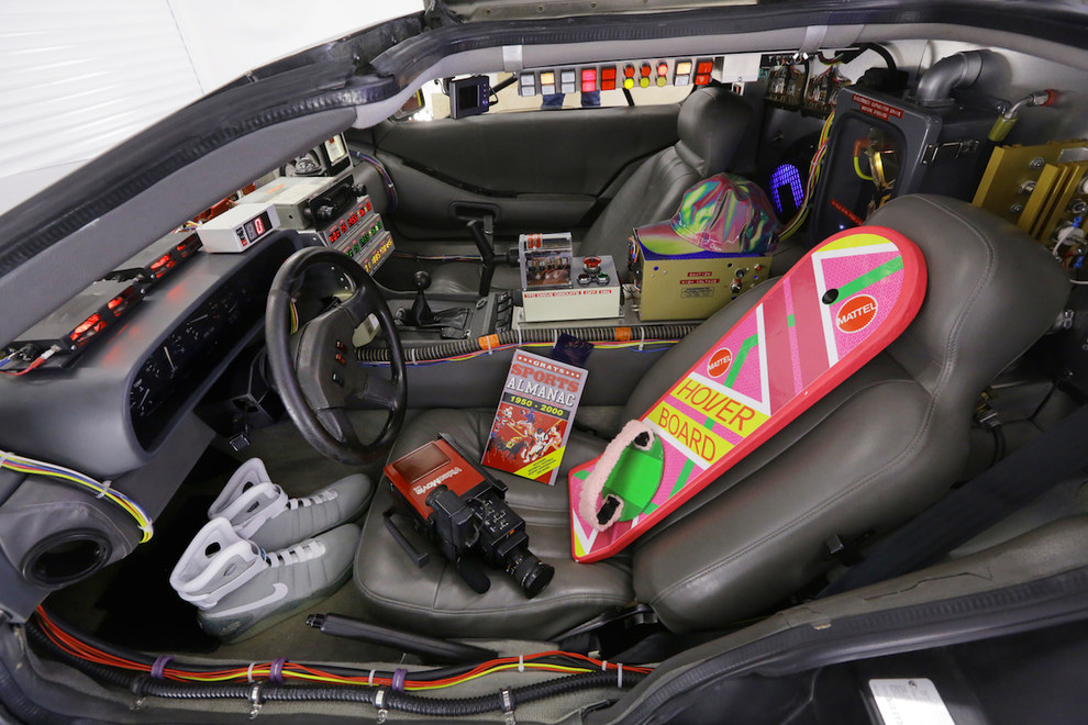 brit owns real life back to the future delorean runs business with it autoevolution. Black Bedroom Furniture Sets. Home Design Ideas