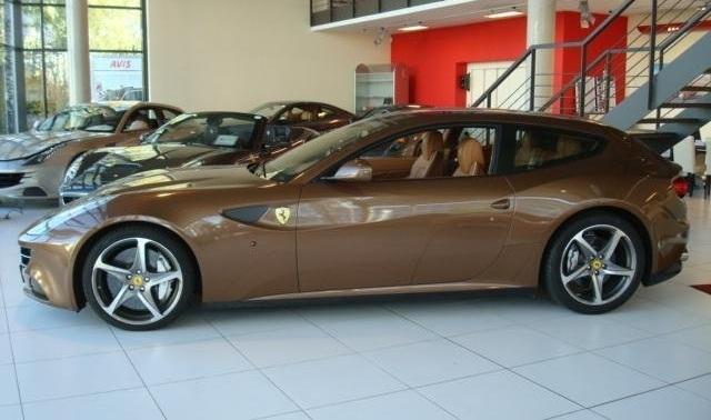 Brown Ferrari FF for S...