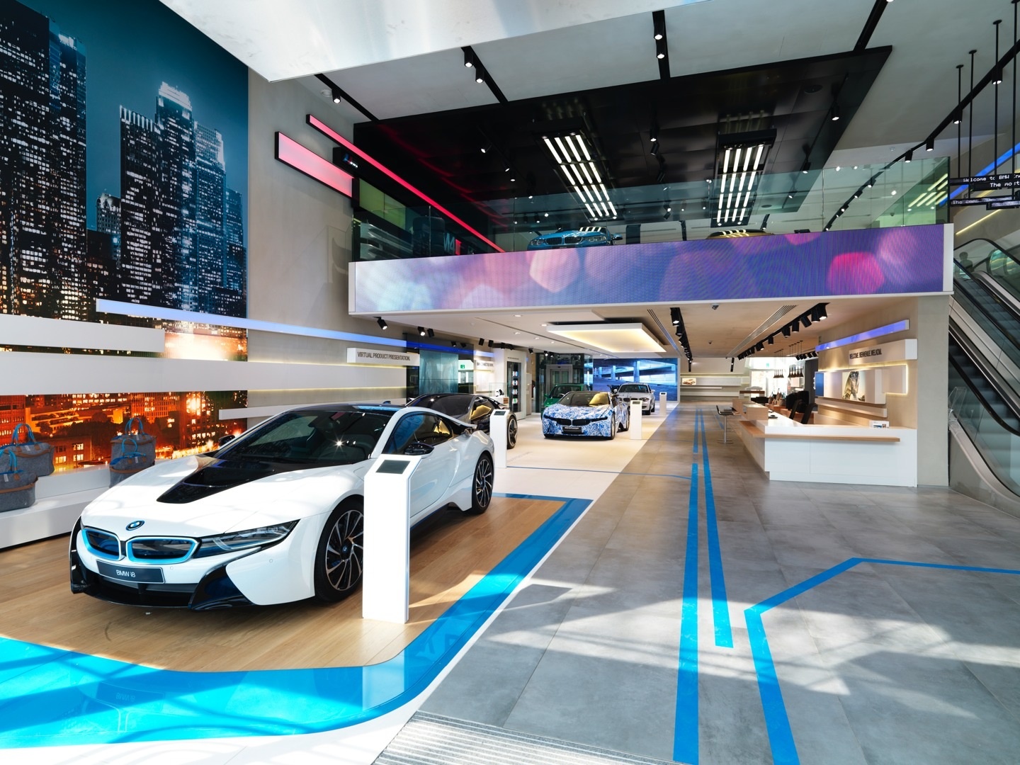 Brussels Bmw Brand Store Earns 2014 Iconic Award For