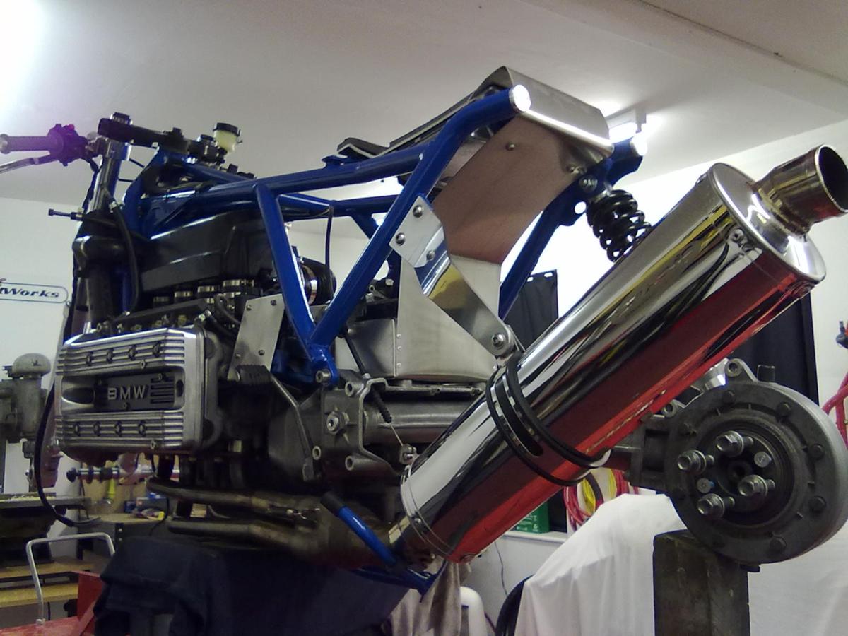 BSK SpeedWorks' BMW K100 Racer - autoevolution