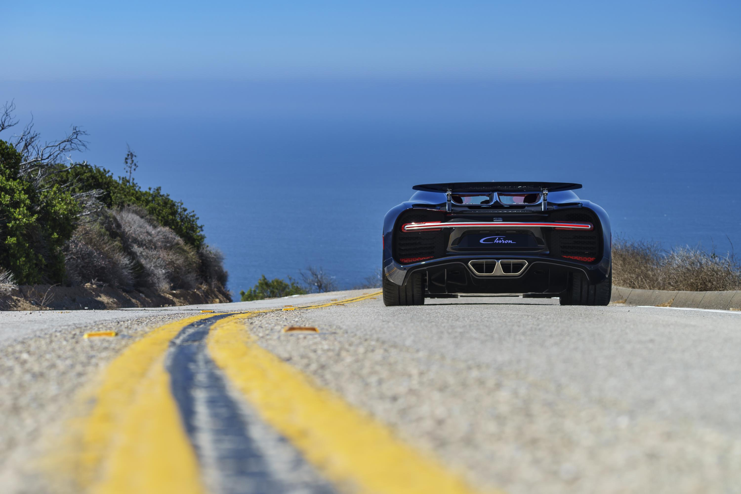 Bugatti Chiron Gas Mileage Is Bad, But Not Veyron Bad