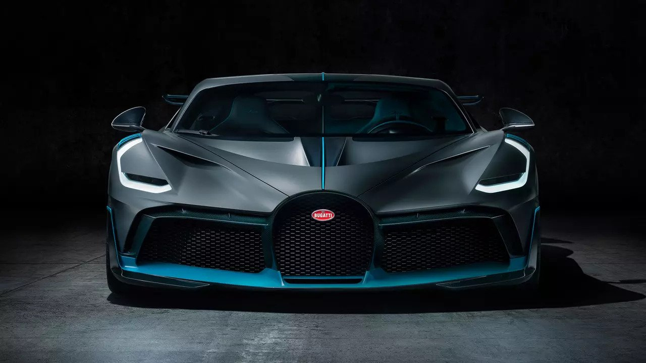2019 Bugatti Divo Looks Spectacular, Packs 1,500 PS ... Bugatti Divo