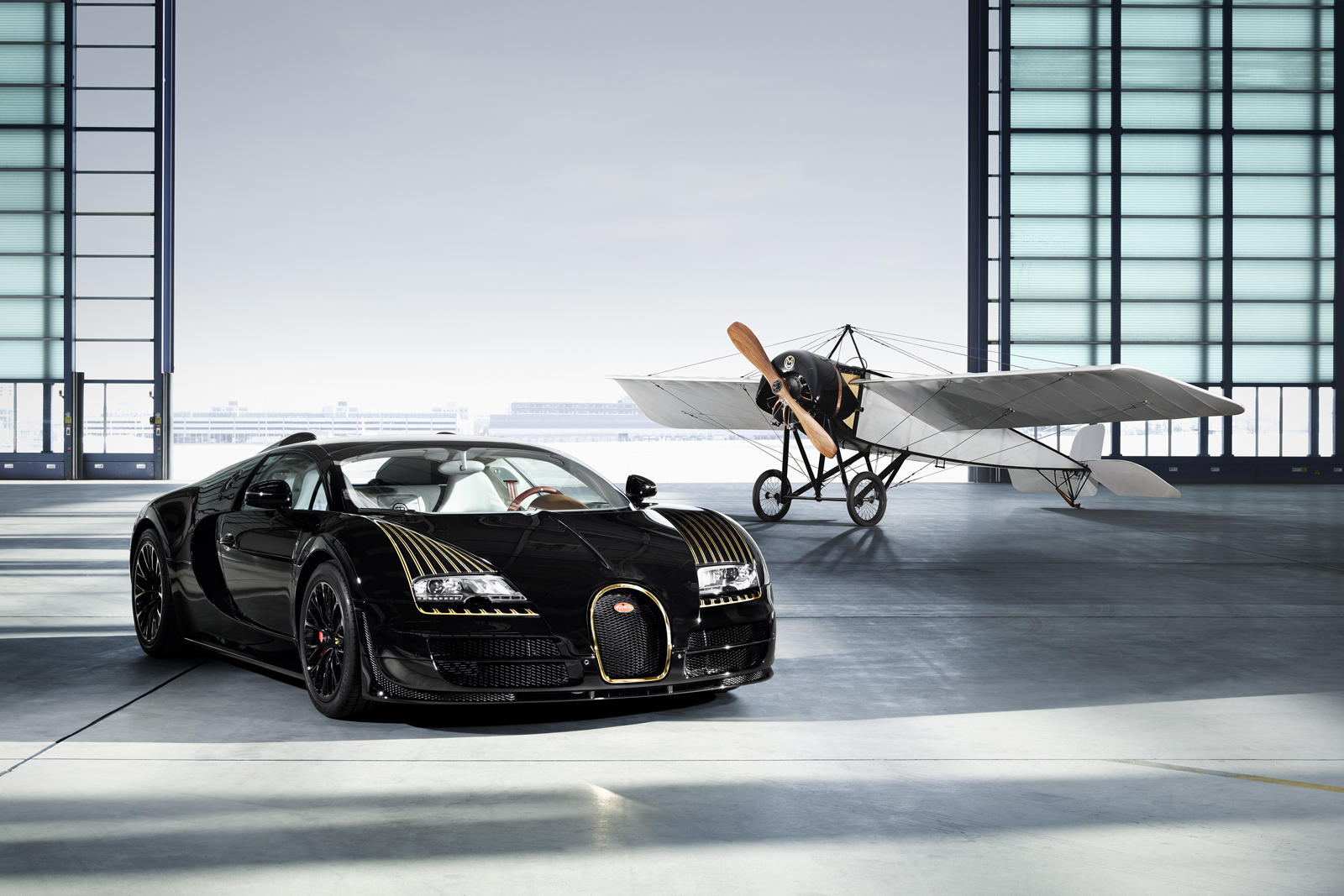 Bugatti Veyron Black Bess Mixes Gold Aviation And Carbon Fiber Photo Gallery on Bugatti Veyron W16 Engine
