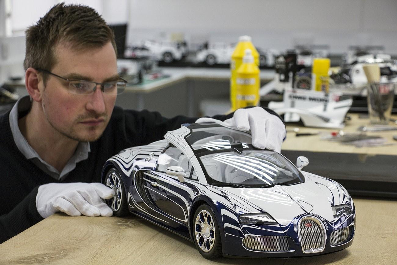 Bugatti Veyron Grand Sport L Or Blanc Scale Model Is