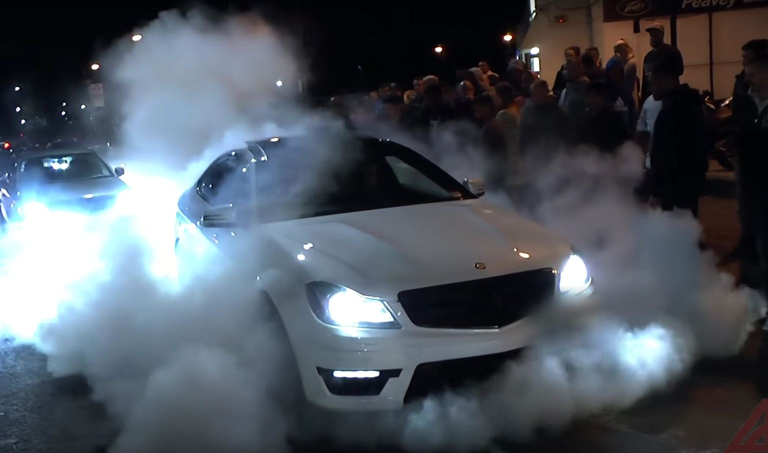 2017 Chevrolet Corvette Stingray >> 2015 Corvette Z06 Does 1-Minute Burnout Straight Out of ...