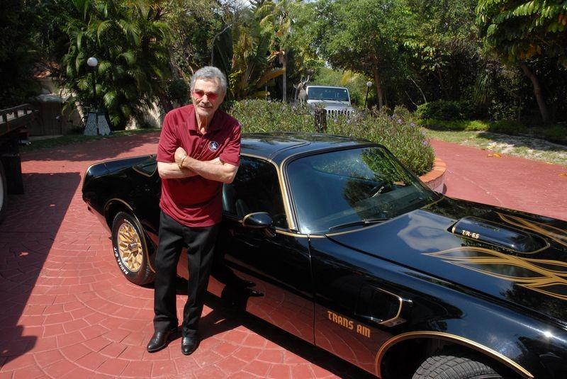 2017 Smokey And The Bandit Trans Am >> Burt Reynolds' Last Smokey & the Bandit 1977 Pontiac Trans Am Goes On Auction - autoevolution