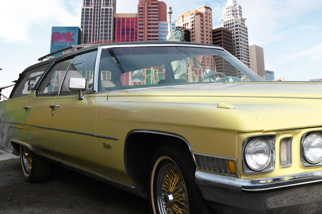 Cadillac Eldorado 2015 >> Buy Elvis' 1972 Cadillac Sedan DeVille Station Wagon Now ...