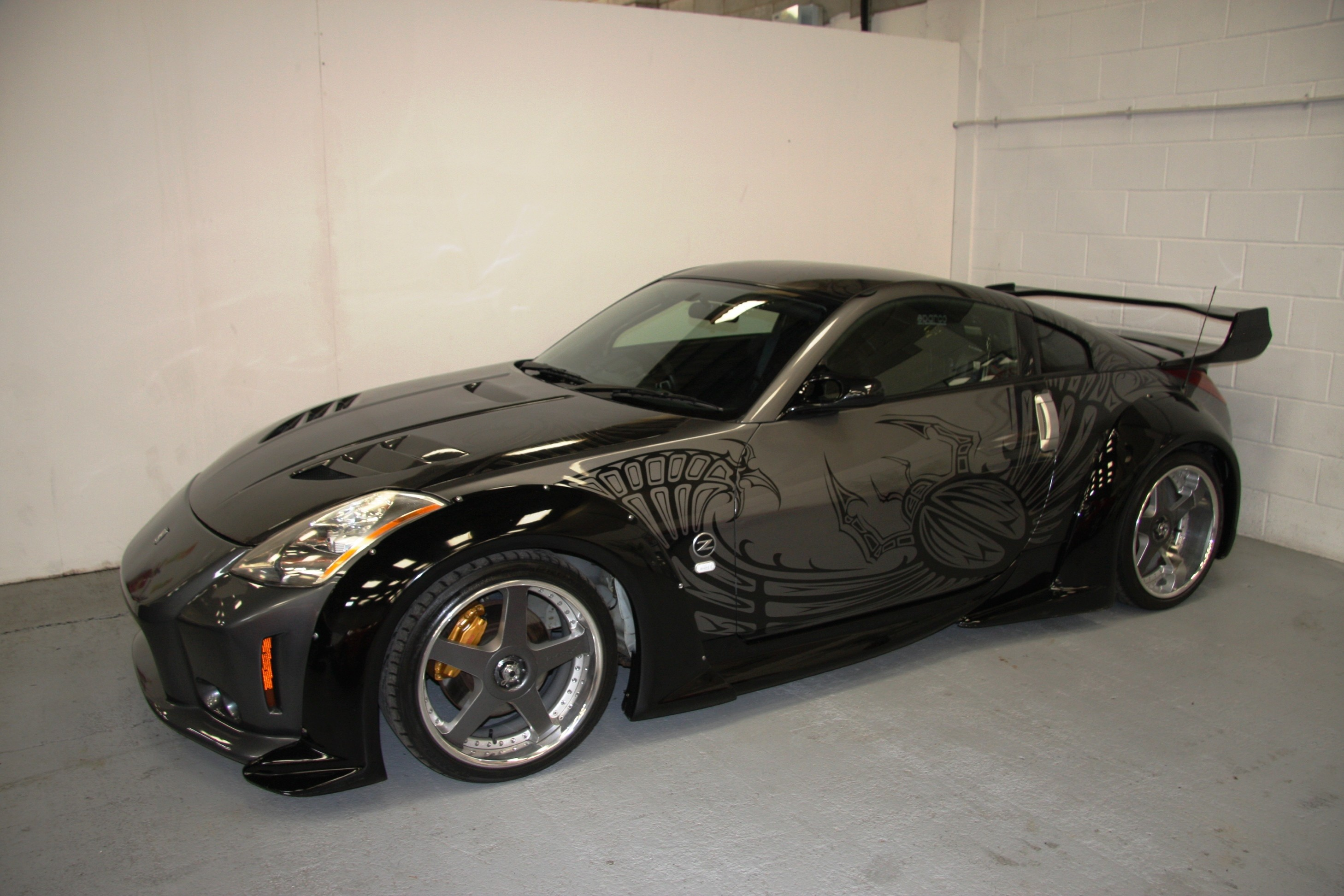buy the tuned up 2003 nissan 350z takashi's friend drove in tokyo