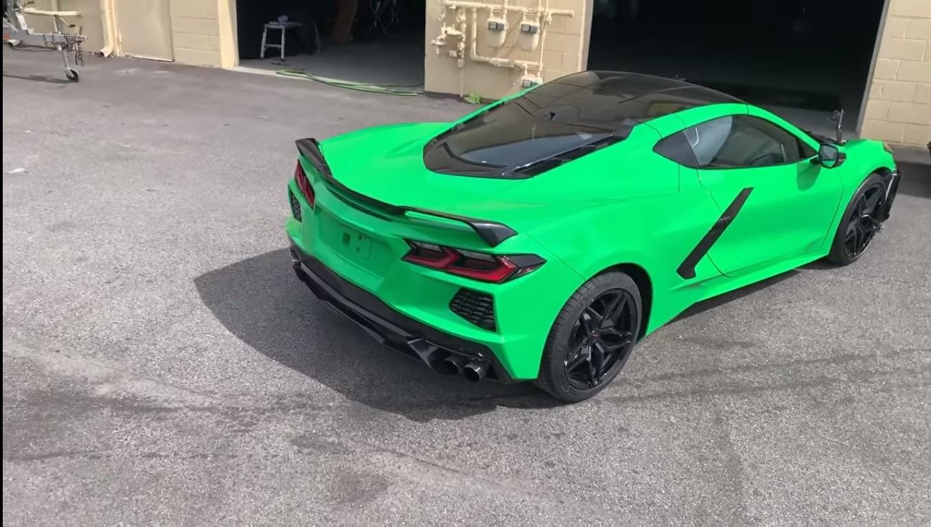 C8 Corvette With Spitfire Green Paint Looks Like A Wannabe Lamborghini Huracan Autoevolution
