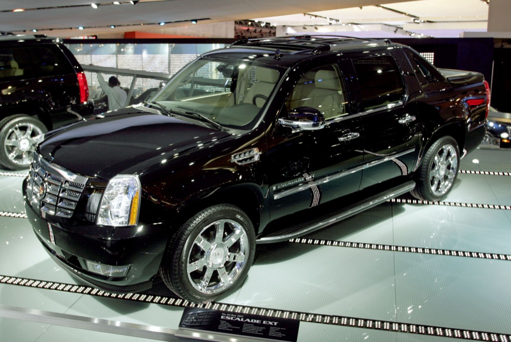 Cadillac Escalade Ext Drivers Spend On Aftermarket Accessories