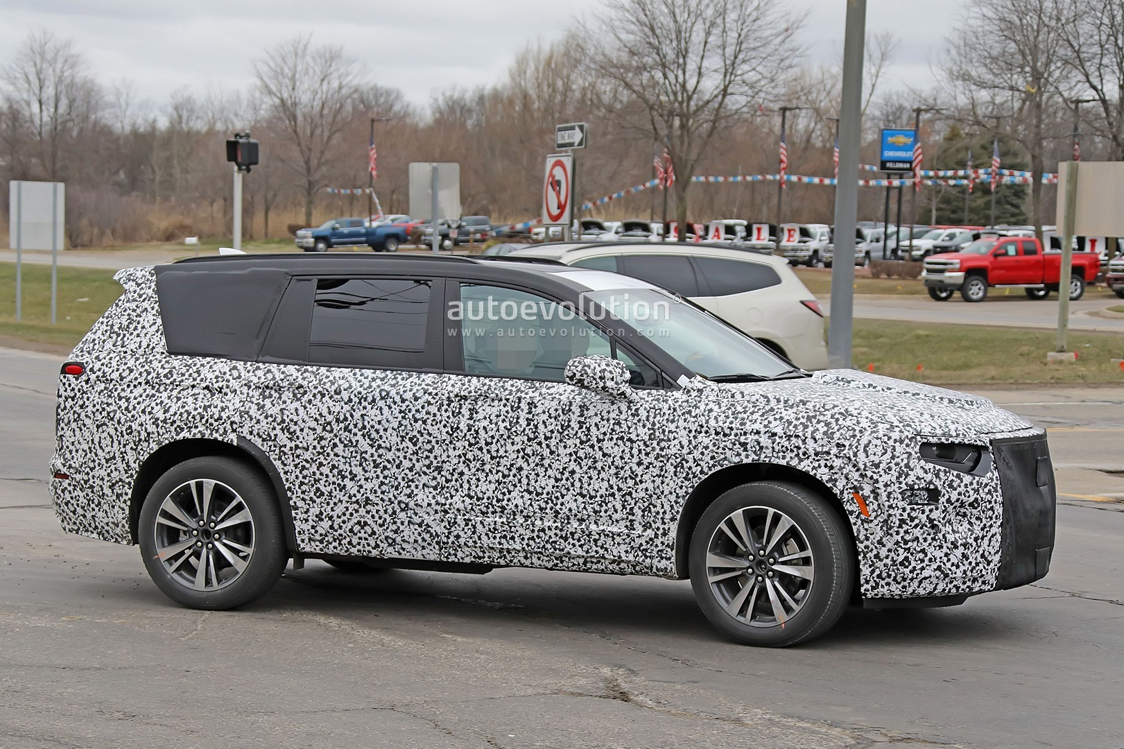 Spyshots Cadillac Xt6 Three Row Crossover Spied For The