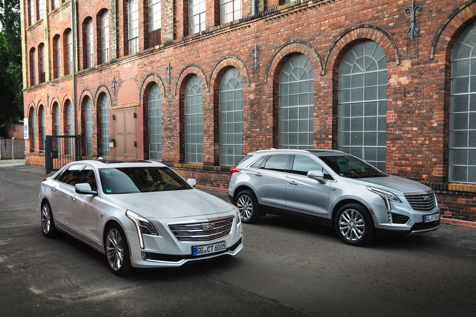 2017 Cadillac Xt5 And Ct6 European Models
