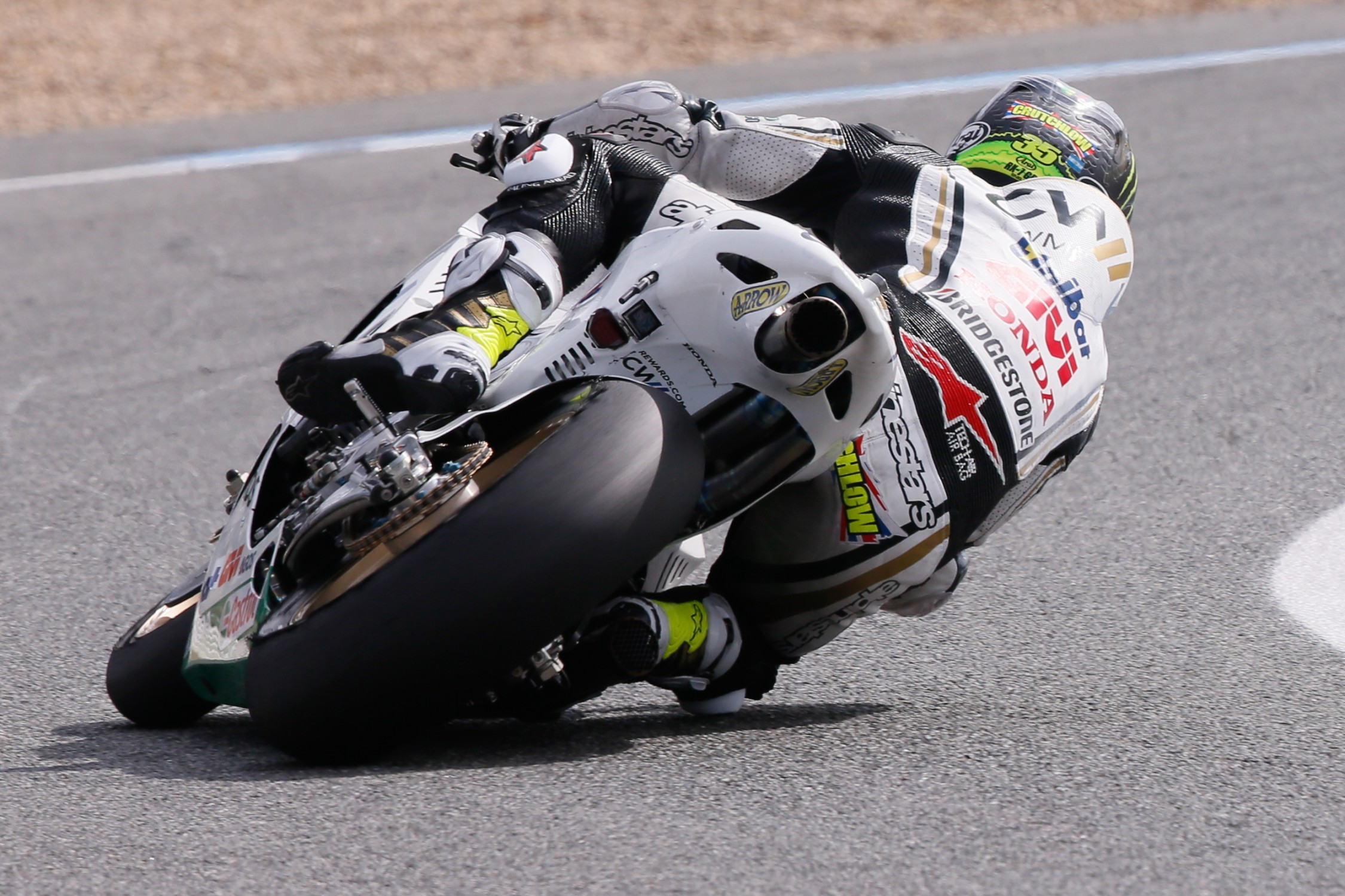 Cal Crutchlow Stays With Lcr Honda Team In 2016