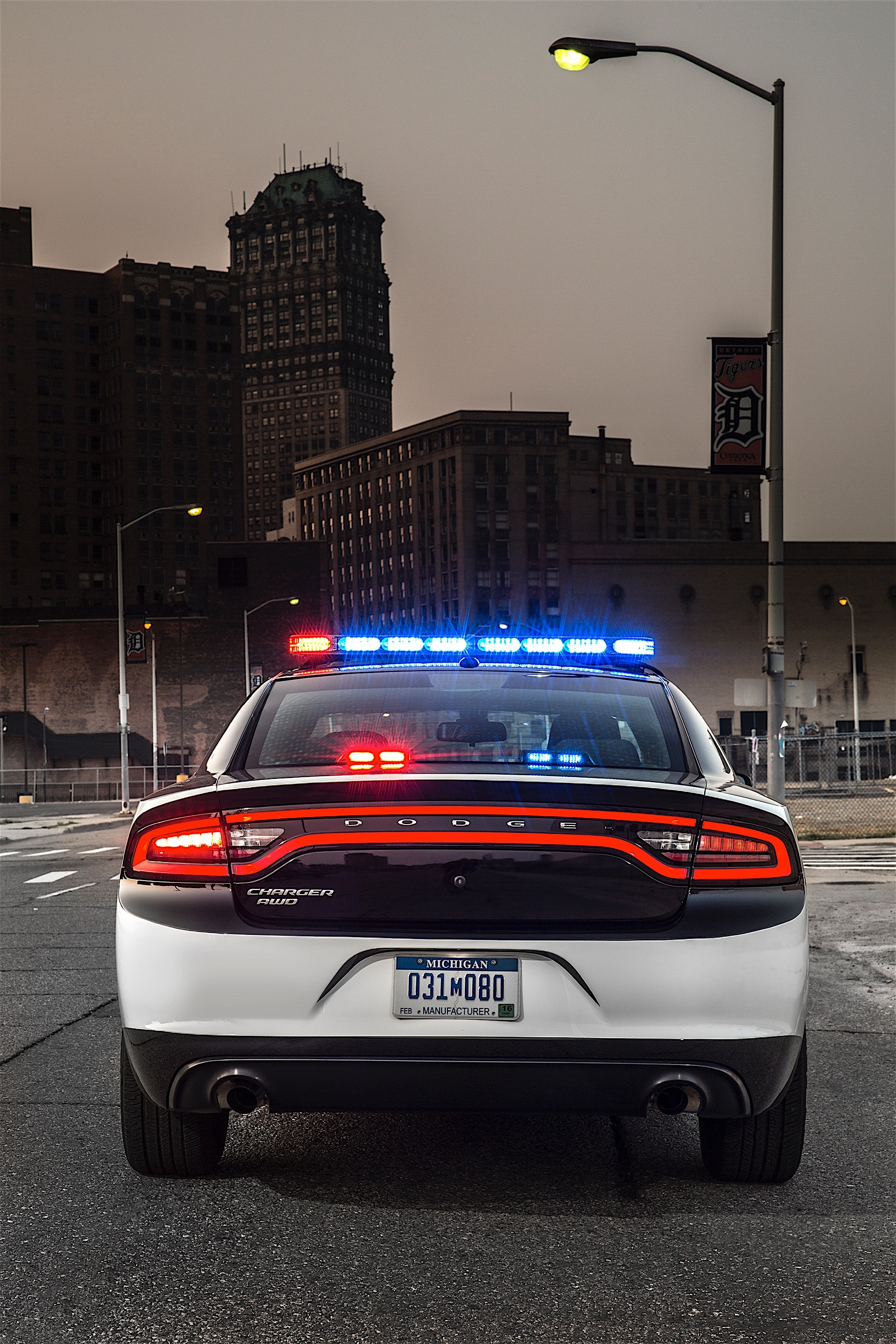 California Highway Patrol Orders Dodge Charger Pursuit Police Sedans For Its Sta on 2008 Dodge Challenger
