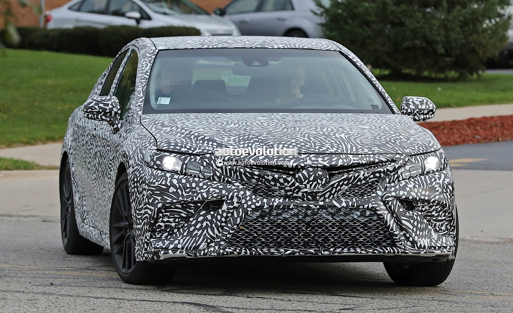 2018 toyota camry spied looks remarkably similar to 2017 nascar 2017 2018. Black Bedroom Furniture Sets. Home Design Ideas