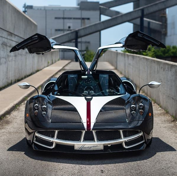 """Canadian One-Off Pagani Huayra """"The King"""" Deserves Its"""