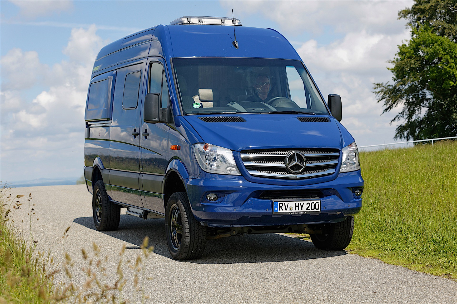 Star Auto Sales >> Mercedes-Benz is The Most Profitable Van Manufacturer - autoevolution
