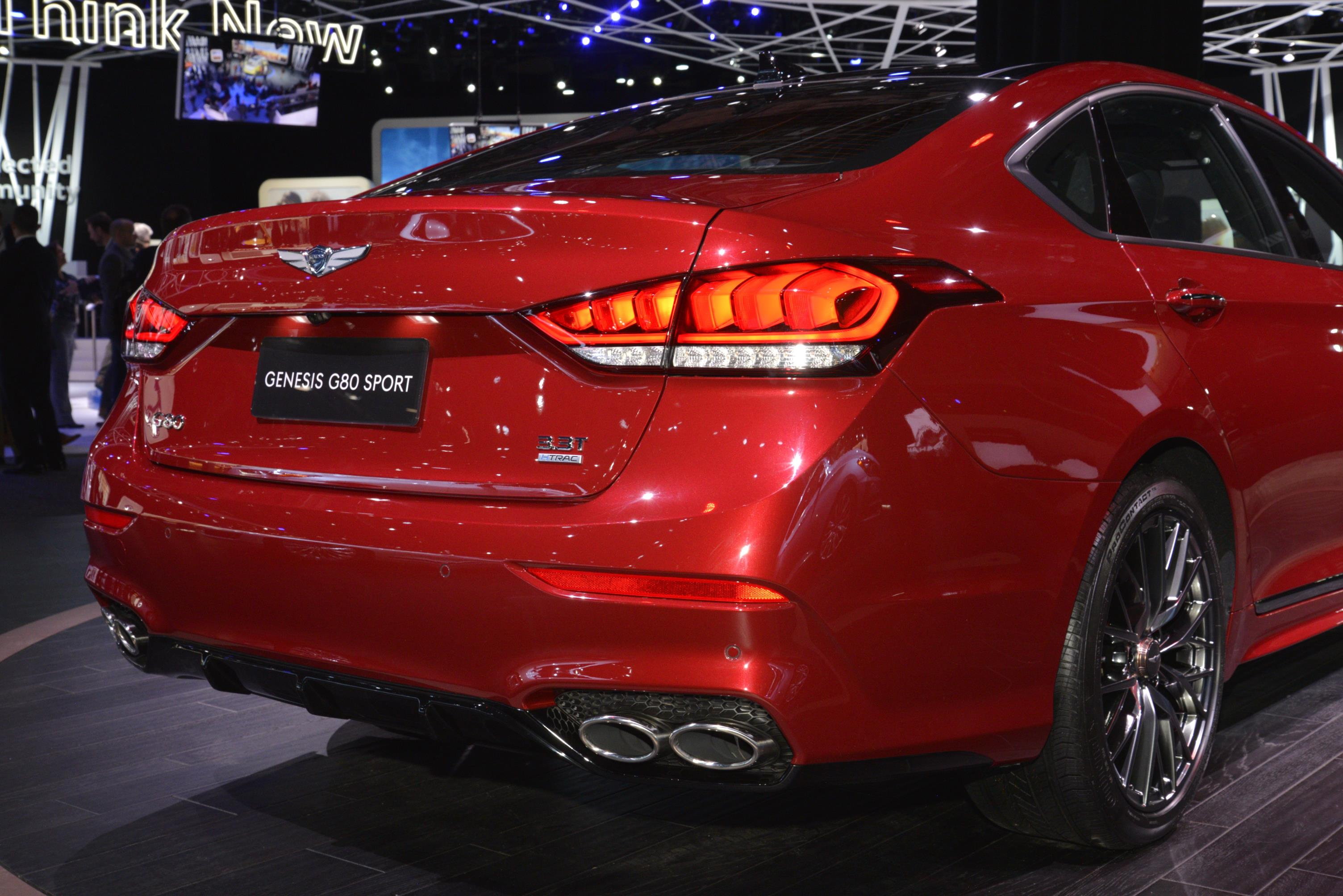 Carbon Fiber Dash on 2018 Genesis G80 Sport Looks Out of ...