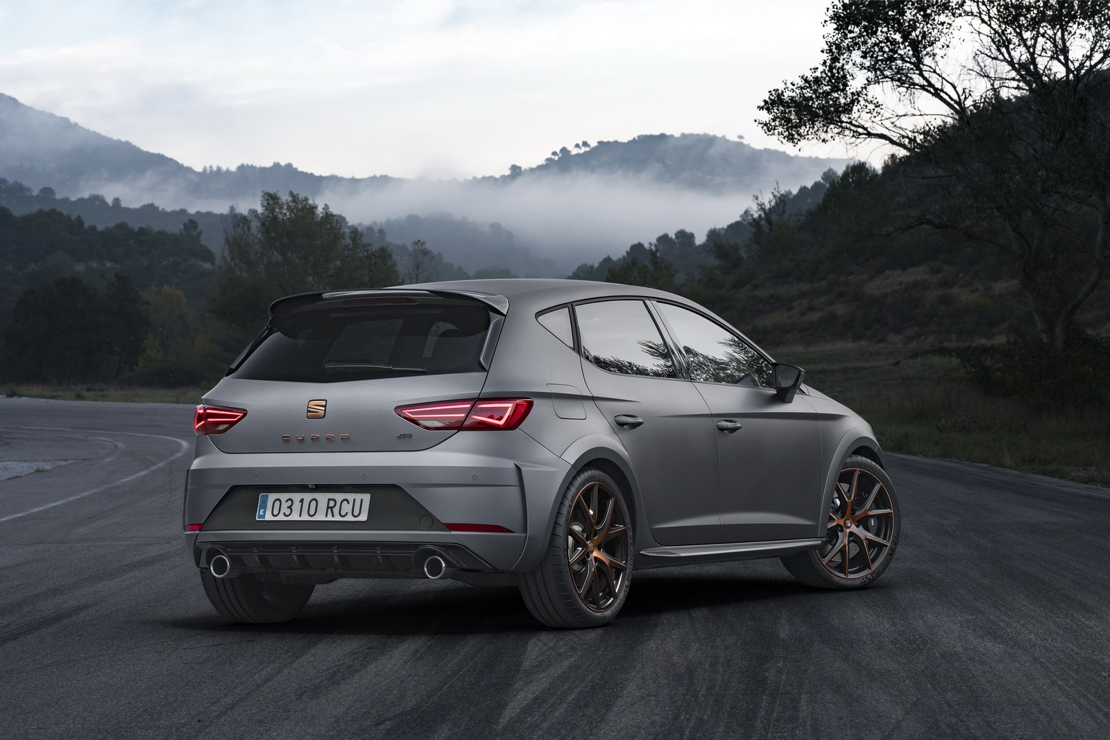 Next Seat Leon Cupra Getting 265 Hp Autoevolution
