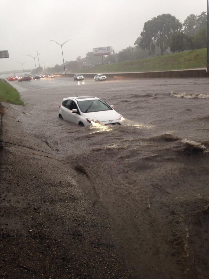 Metro Cars Detroit >> Cars Trudge Through Detroit Flooding, Ford Focus ST ...