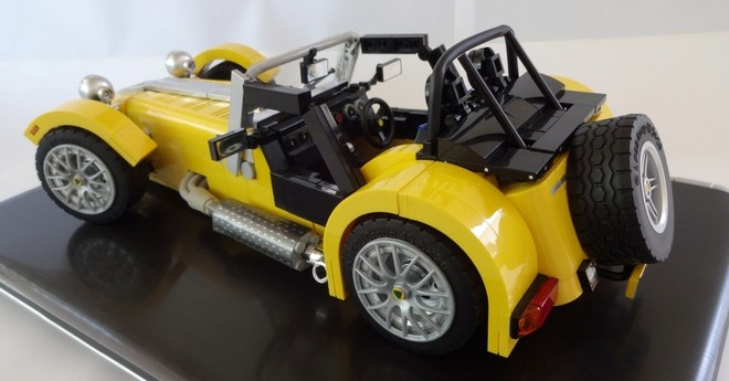 the caterham super seven gets a lego version autoevolution. Black Bedroom Furniture Sets. Home Design Ideas