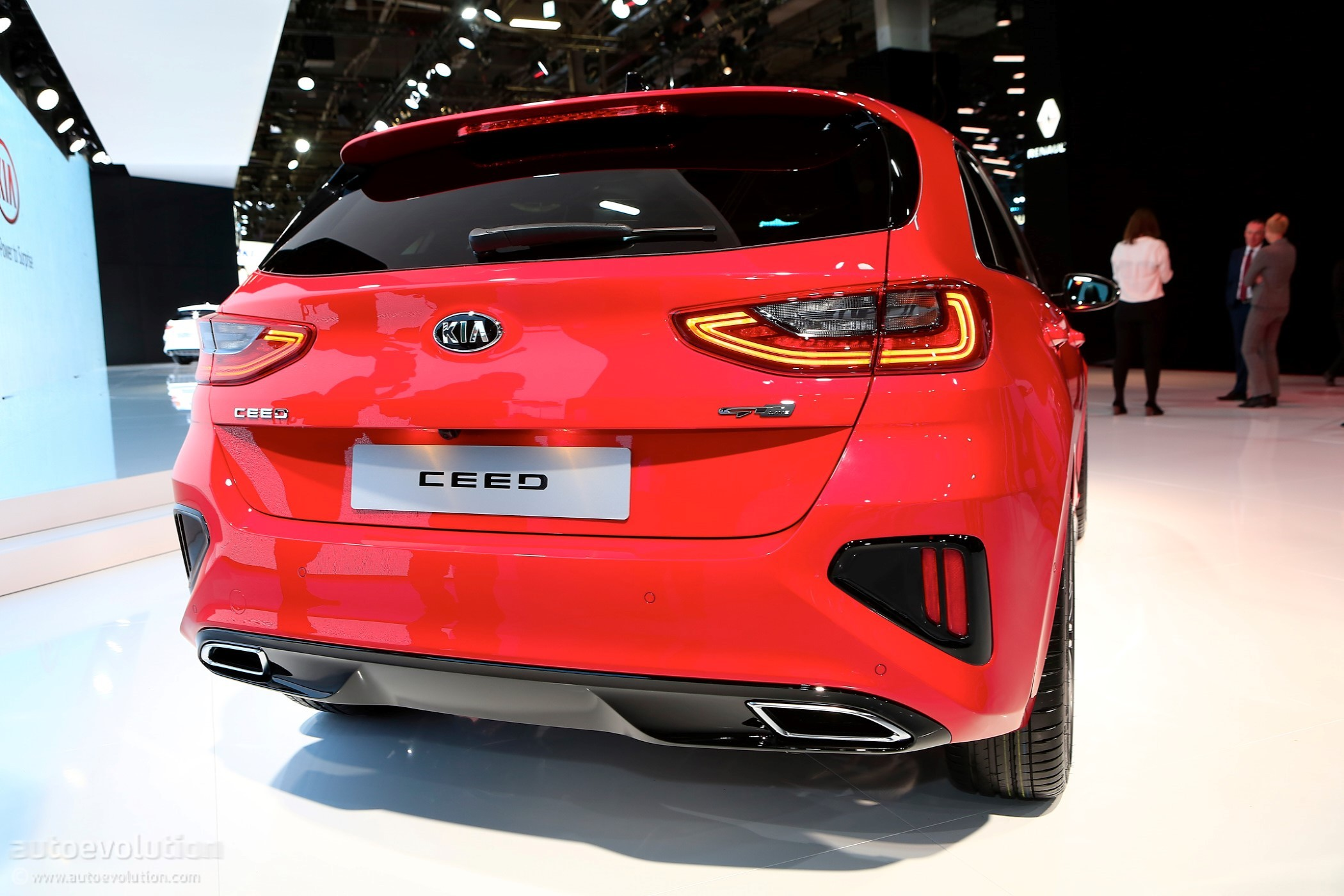 2019 Kia Ceed Gt Line Tries Too Hard To Look Fast